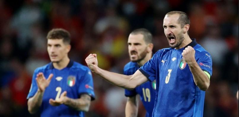 意大利以精彩的点球大战击败了西班牙进入到欧洲杯总决赛