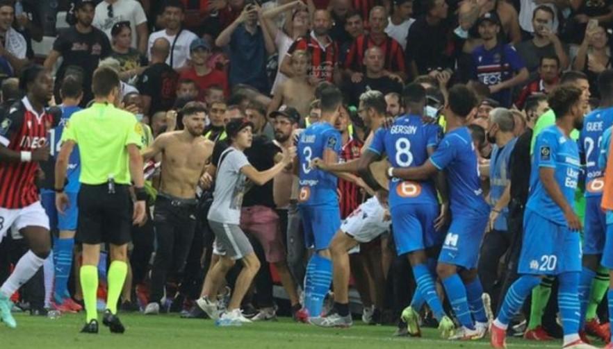 马赛对阵尼斯的比赛因与球迷的冲突而被放弃