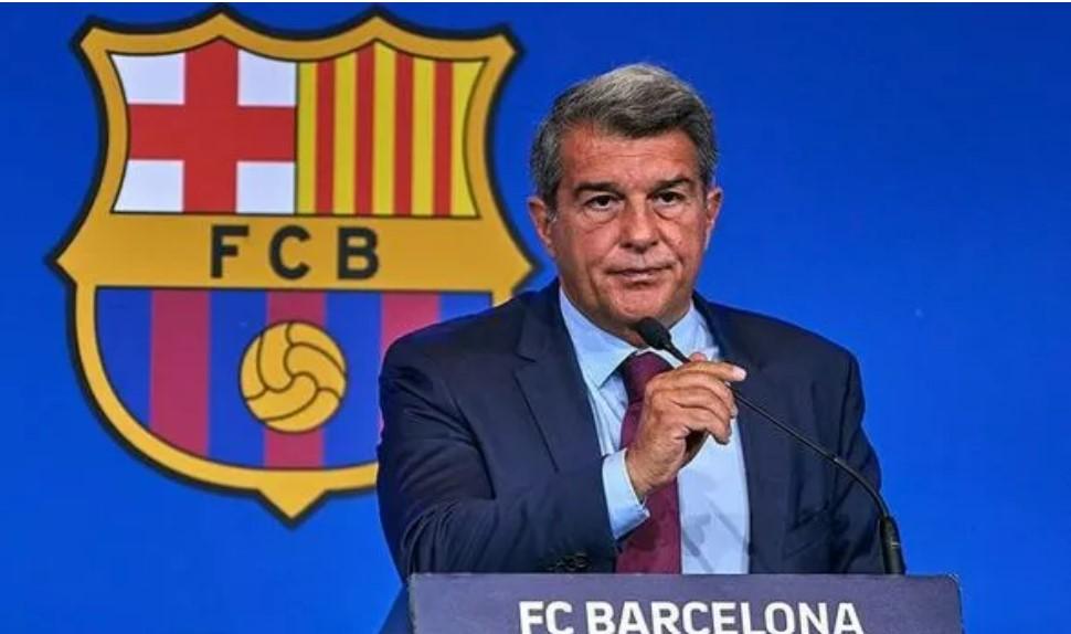 在失去利昂内尔·梅西和安托万·格里兹曼后,巴塞罗那做出了三名球员的决定