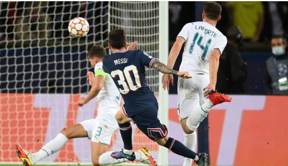 梅西打进了他在巴黎圣日耳曼的第一个进球