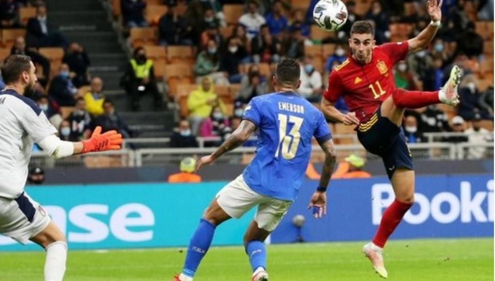 西班牙结束了意大利队37场比赛不败的记录
