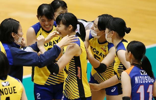 东丽在许多场比赛中收获16胜利