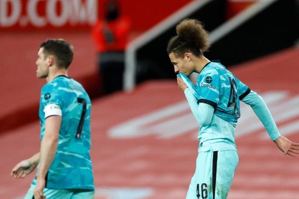 """利物浦在阿森纳获释后与自由球员索克拉蒂斯""""保持联系"""",因为克洛普的目标是与后卫重聚"""