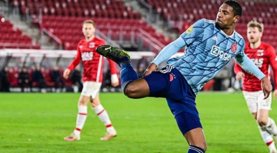 阿贾克斯的错误导致欧联杯阵容遗漏