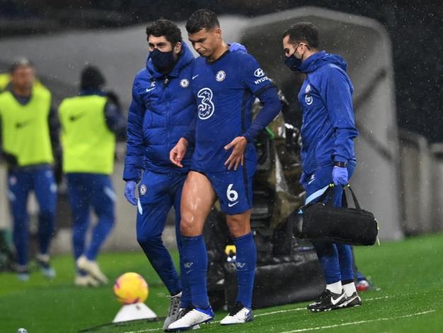 切尔西球星蒂亚戈•席尔瓦在安德烈亚斯•克里斯滕森取代热刺的比赛中受伤