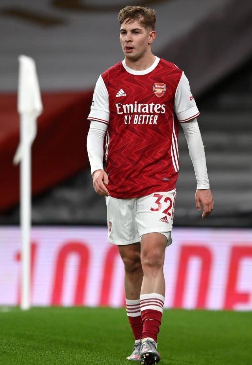 埃米尔•史密斯•罗揭露了为什么他在阿森纳球迷发现他之后穿杰克•格雷利什这样的低筒袜子