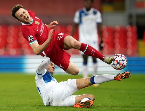 利物浦的迪奥戈•乔塔取得了惊人的30连胜,在游戏机上荣登FIFA 21 FUT世界冠军第一名