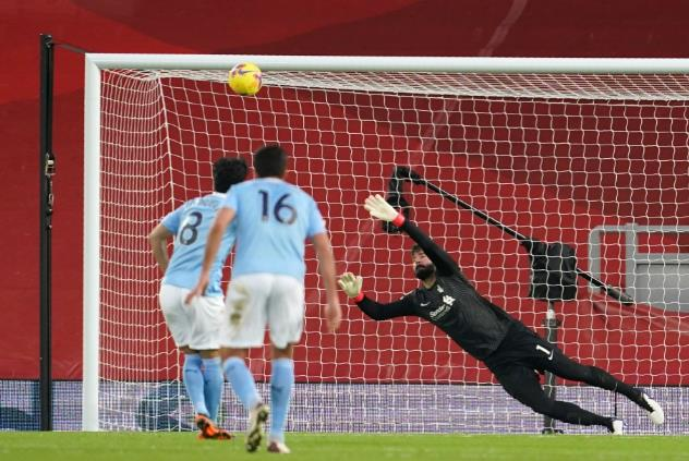 瓜迪奥拉透露,在贡多安最近错过利物浦的比赛中,门将埃德森可能是曼城的新点球