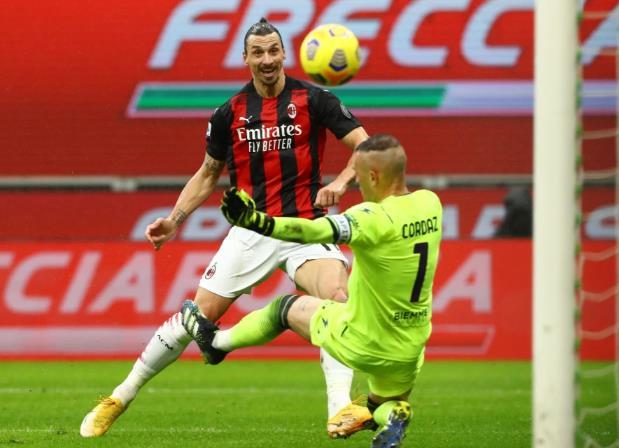 兹拉坦•伊布拉西莫维奇取得职业生涯第500个进球,为AC米兰击败克罗托内重返意甲