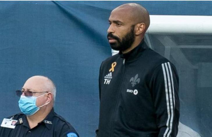 伯恩茅斯的新经理目标为阿森纳前前锋