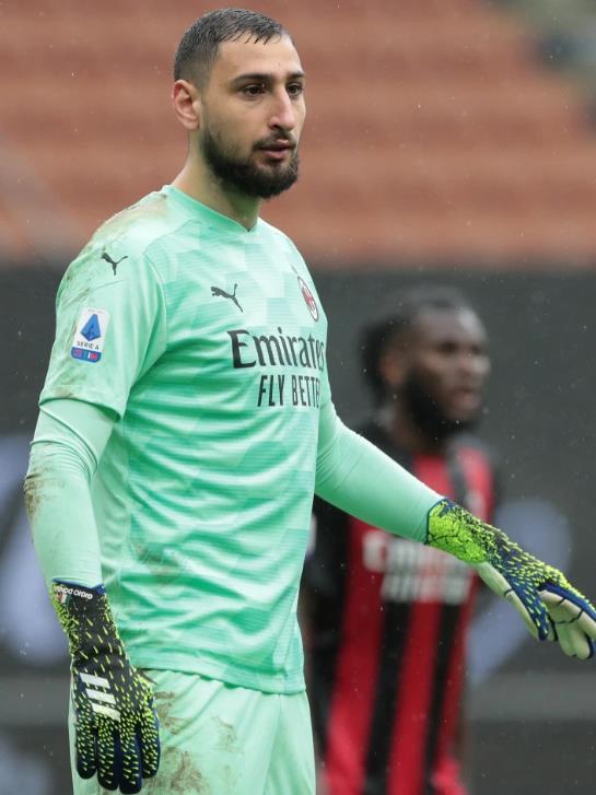 曼联队正计划向AC米兰队门将吉安路易吉•多纳鲁马转会