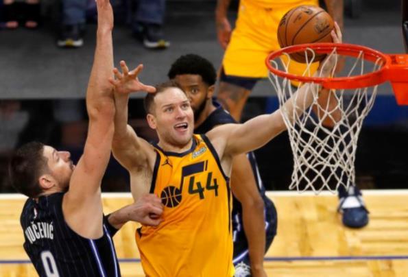 NBA领先的爵士队从失败中反弹,击败魔术队