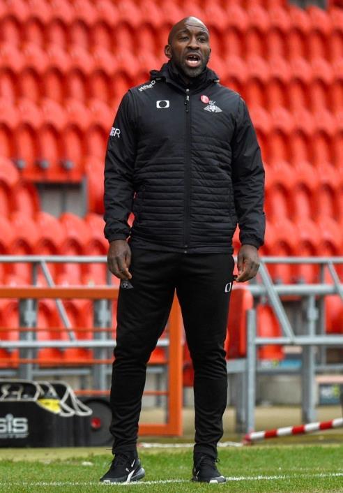戴倫•摩亞成为谢菲尔德本赛季第四位经理