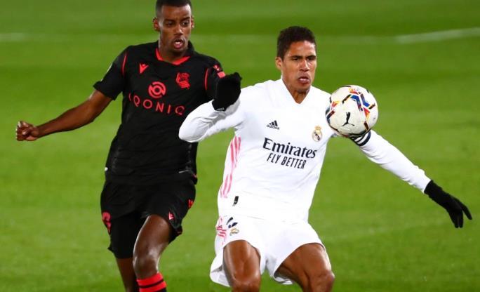 皇家马德里期望曼联今年夏天对拉斐尔•瓦拉内重新产生兴趣