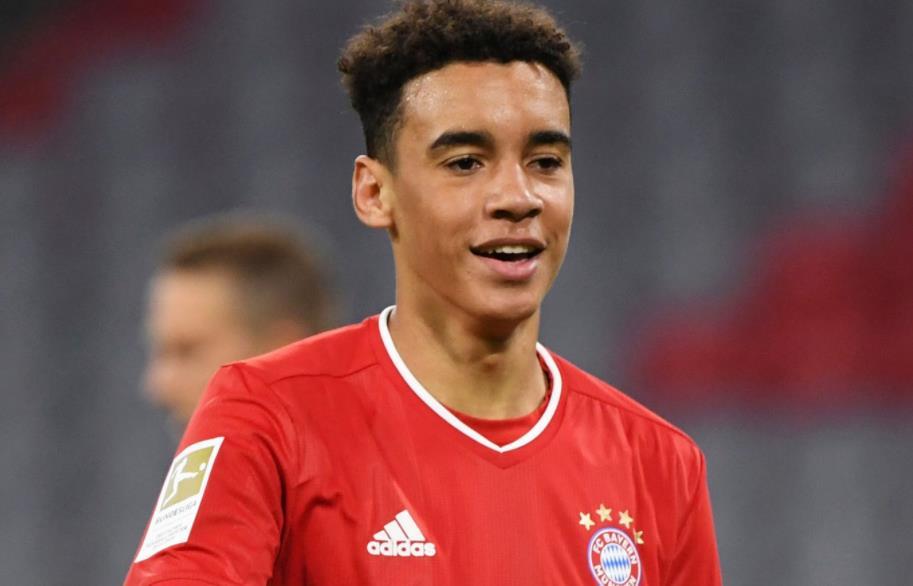 拜仁慕尼黑中场球员签署了一份为期五年的职业合同