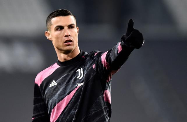 意大利的一项报道称,曼联拒绝了尤文图斯提供给克里斯蒂亚诺•罗纳尔多后重新签约的机会。