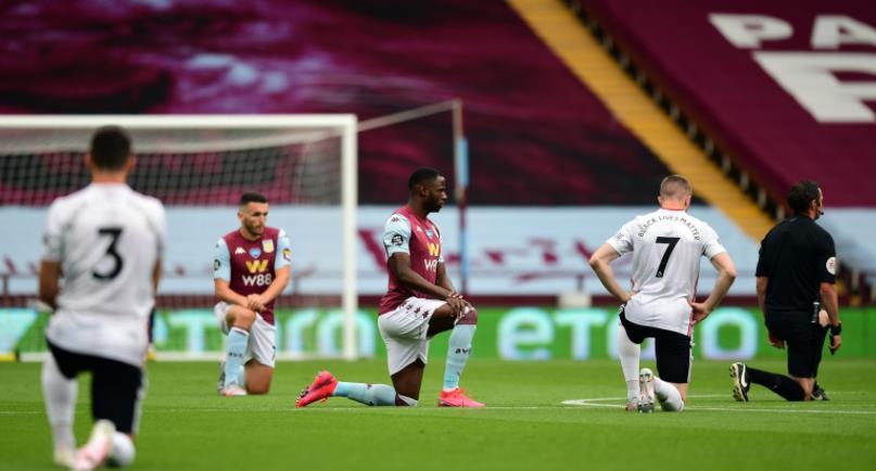 英超联赛首席执行官理查德•马斯特斯表示,球员将继续屈膝直至赛季结束
