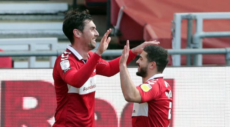 米德尔斯堡轻松取得胜利,以保持季后赛的希望