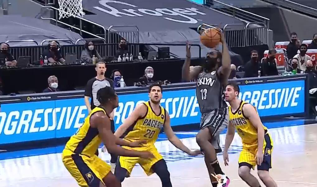 NBA联盟里再次创下了单日三双的新纪录
