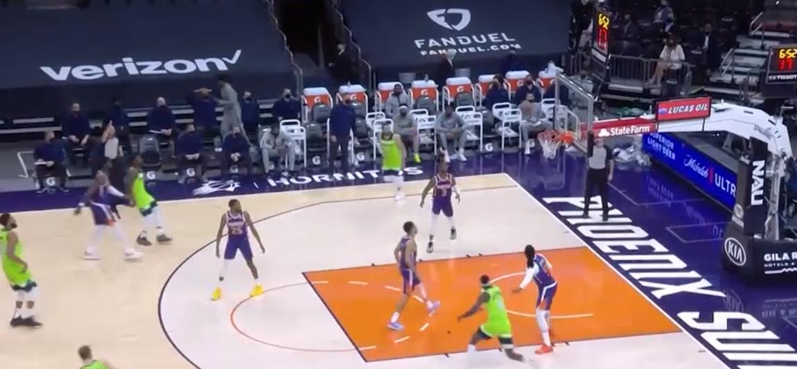 安东尼·爱德华兹赛场上的42分在NBA新秀历史上大放异彩