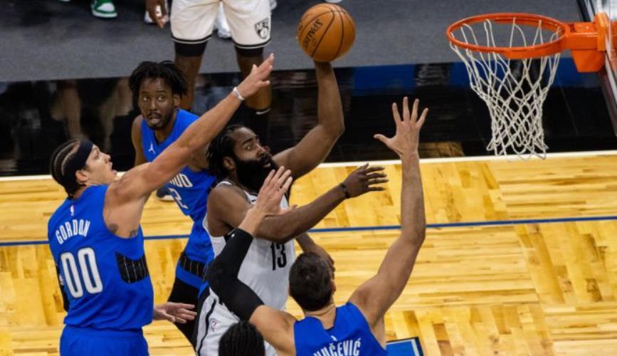 奥兰多魔术队紧追布鲁克林篮网队的连胜纪录