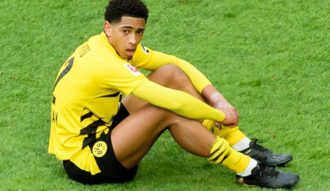 多特蒙德足球俱乐部中场球员遭受种族主义虐待