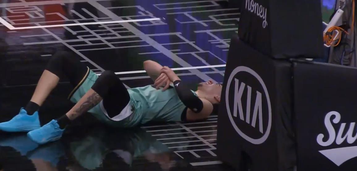 黄蜂的梅洛·鲍尔因右手腕骨折而将无期限缺席
