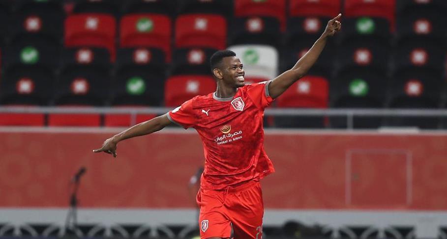 蒙塔里在当卡塔尔和卢森堡的友谊赛中进球