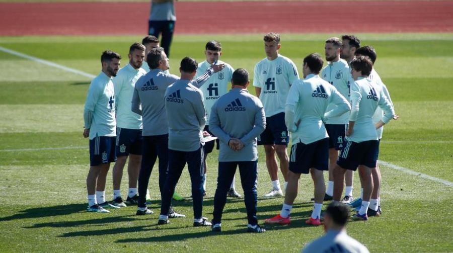 路易斯•恩里克告诉西班牙球员专注于世界杯