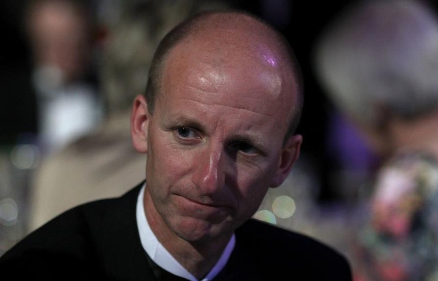 """裁判的首席执行官拉利已向英超联赛俱乐部承诺,VAR将在下个赛季""""改变和改进"""""""