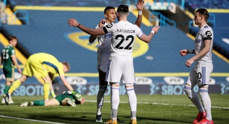 利兹联以2-1的比分战胜了谢菲尔德联