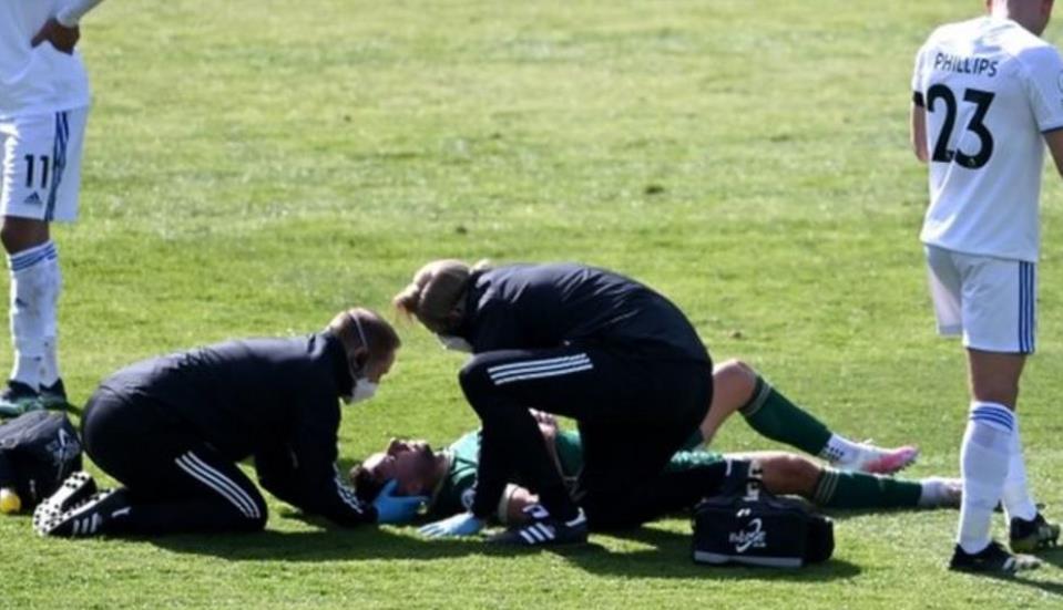 谢菲尔德联有两名球员在比赛中受到了头部创伤