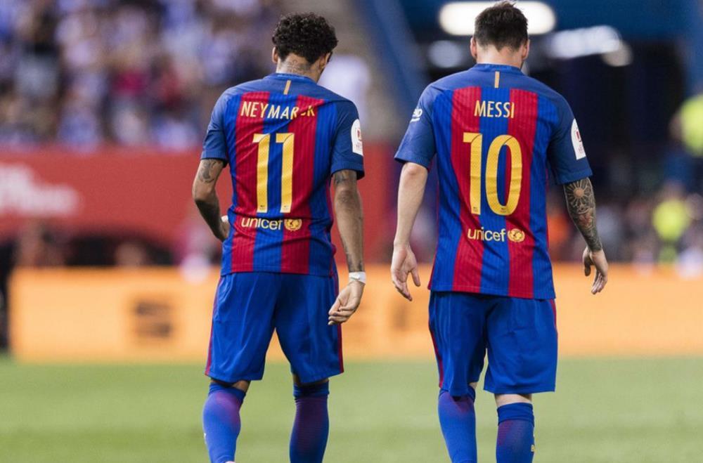 内马尔回到巴塞罗那的两种方式