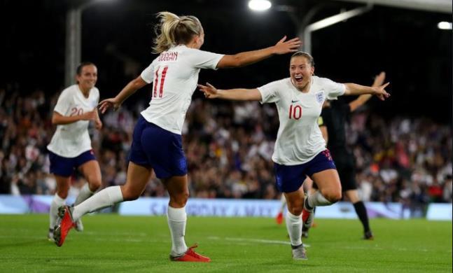 英格兰女子队被法国女子队在友谊赛中击败