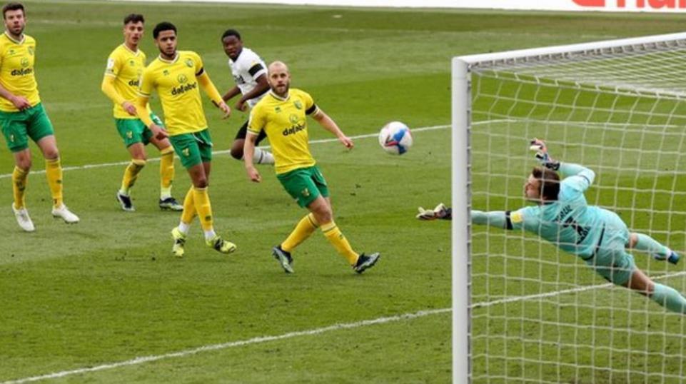 诺维奇城里晋级回到英超联赛又进了一步