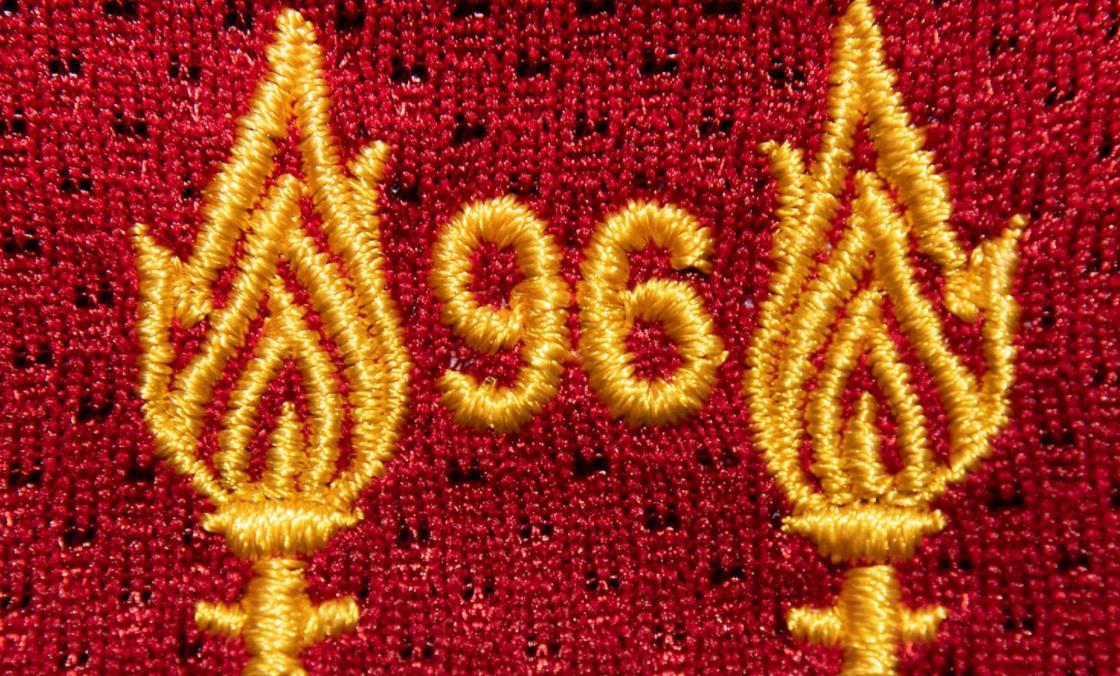 利物浦纪念在希尔斯伯勒(Hillsborough)惨案的第32周年
