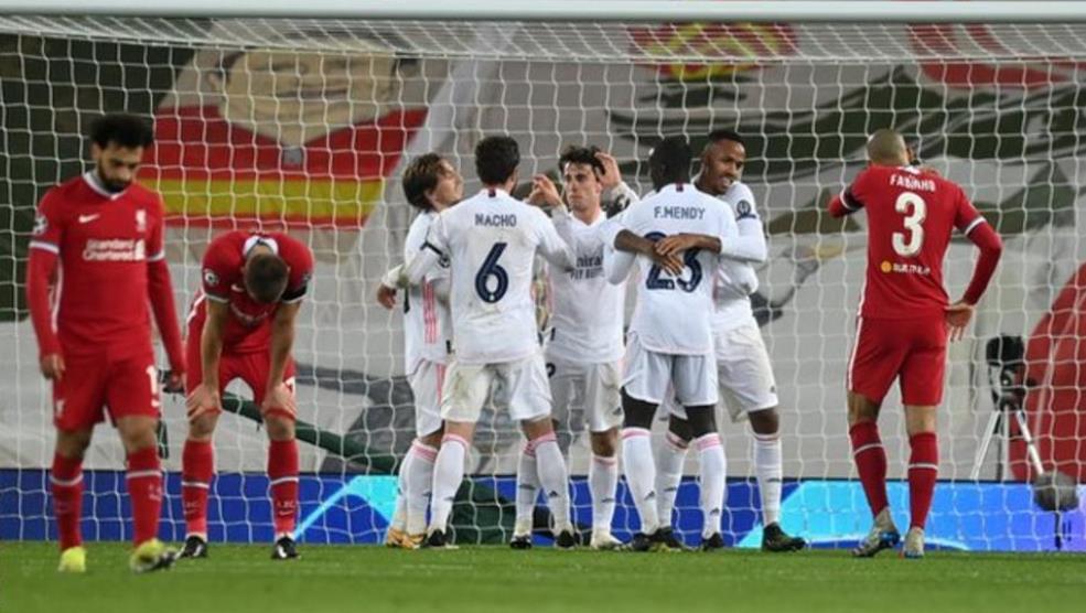 从欧冠联赛淘汰掉了后,克洛普不得不得考虑一下调整阵容的问题