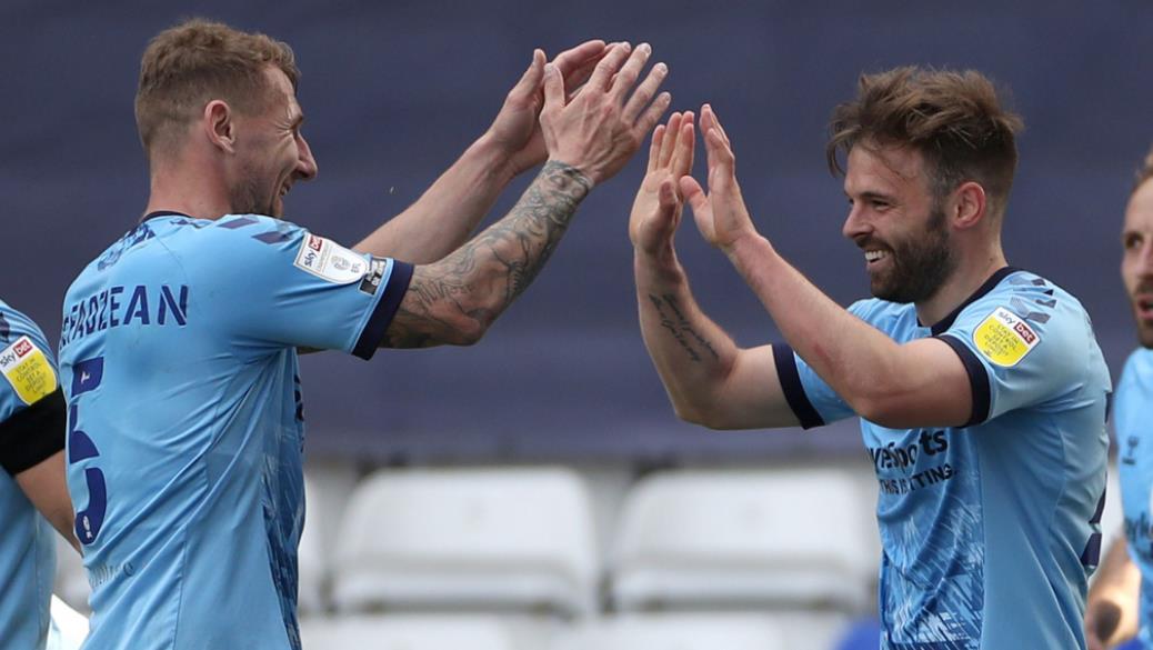 馬特~哥登得分,为考文垂提高了英格兰足球冠军联赛的生存希望