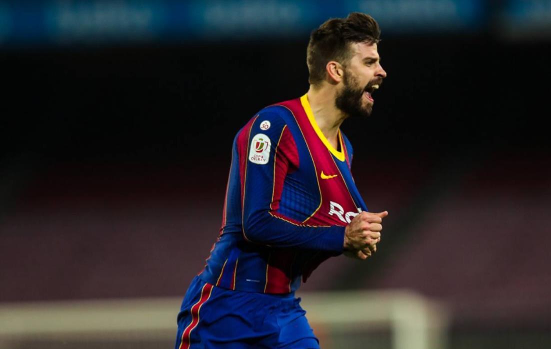 """巴塞罗那传奇人物杰拉德~皮克在欧洲超级联赛上大声疾呼:""""足球属于球迷"""""""