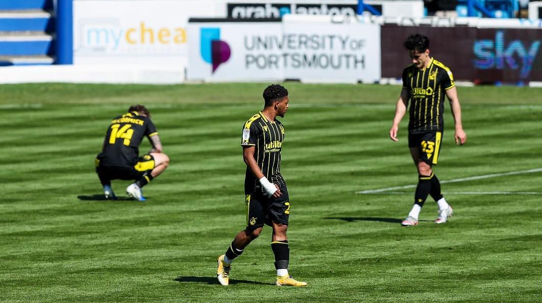 乔伊~巴顿的流浪者降级为英格兰足球乙级联赛