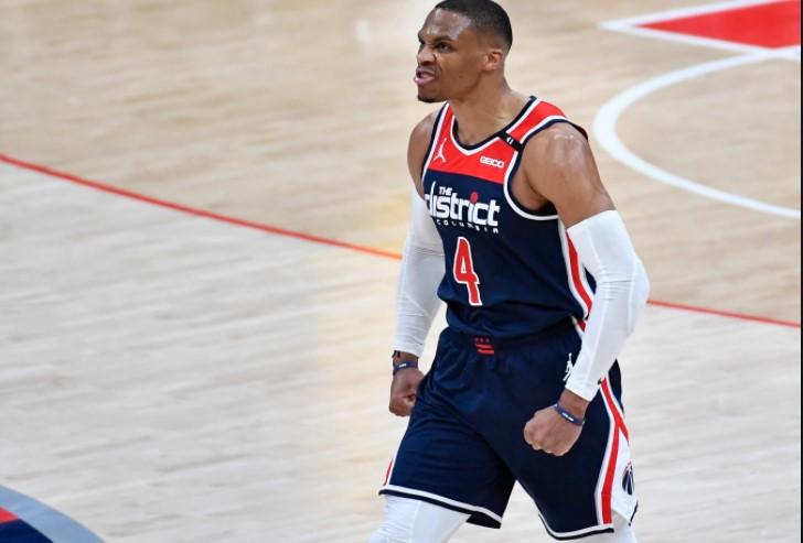 华盛顿奇才队的控球后卫打破了NBA的三双纪录