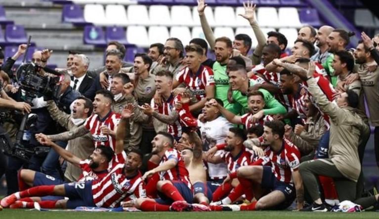 马德里竞技队获得了他们的第11个冠军头街