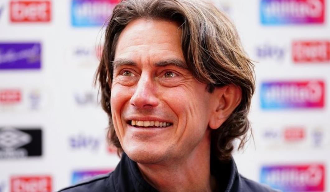 布伦特福德主帅坚称他的球队在季后赛决赛对阵旺西城的机会不大