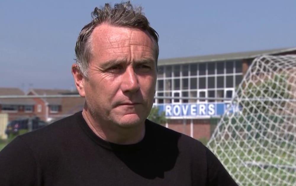 退出邓迪联队后,米奇~梅隆第二次成为特兰米尔流浪队的主教练
