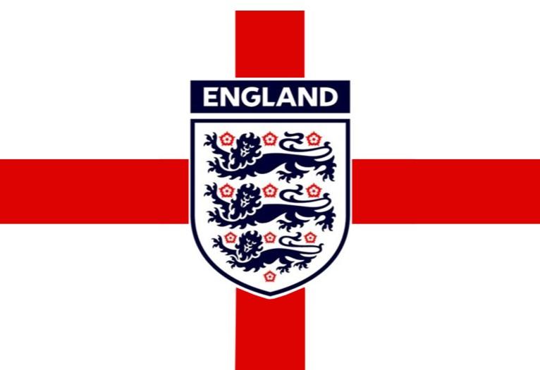 本月英格兰队将与谁比赛?