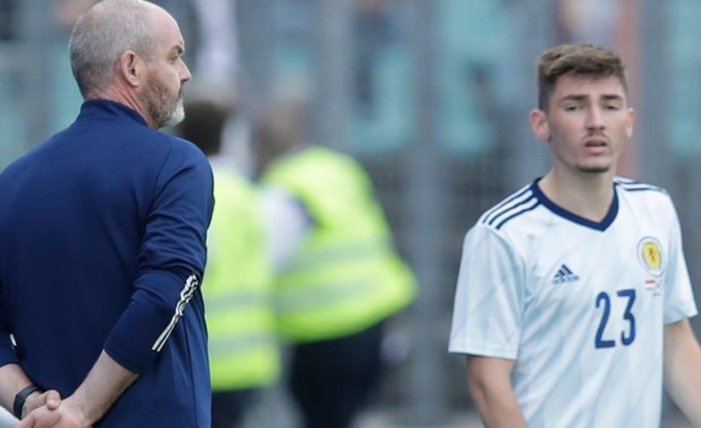 史蒂文~奈史密斯 说,比利~吉尔莫让苏格兰老板史蒂夫~克拉克感到头疼