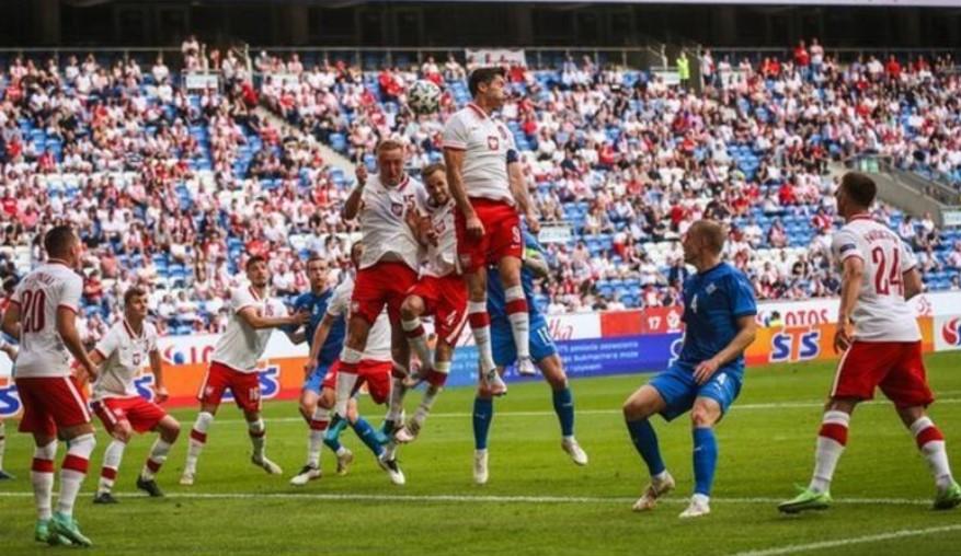 波兰从后面两次追赶最终与冰岛形成平局