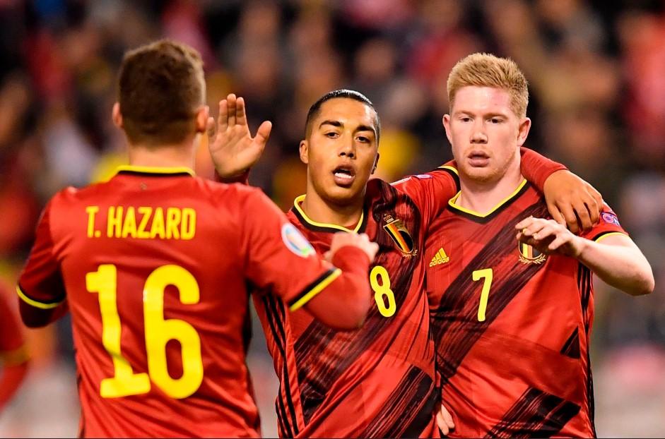今年夏天比利时队的赛程和阵容,伊登·哈扎德担任队长,凯文·德布劳内成为超级巨星