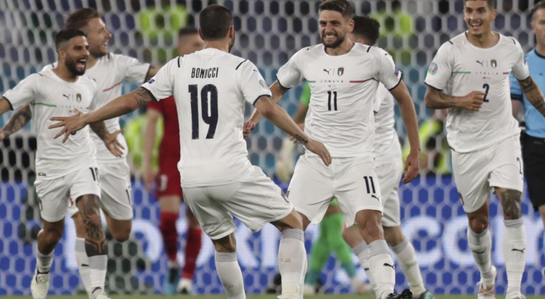 罗伯托~曼奇尼的球队以时尚的方式开始了2020年欧洲杯