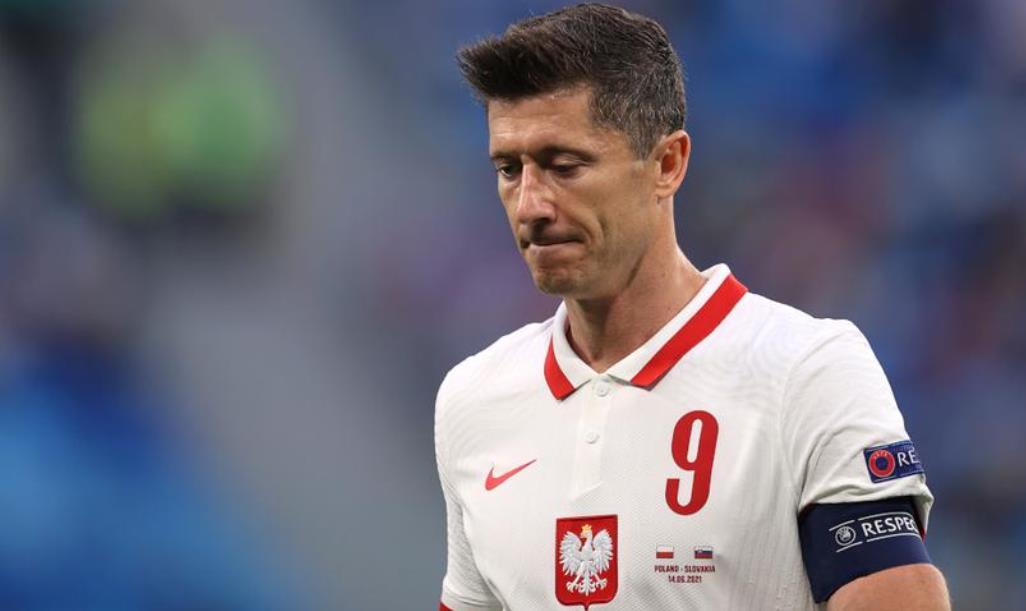 """斯洛伐克失利后,波兰""""处境艰难""""-莱万多夫斯基"""